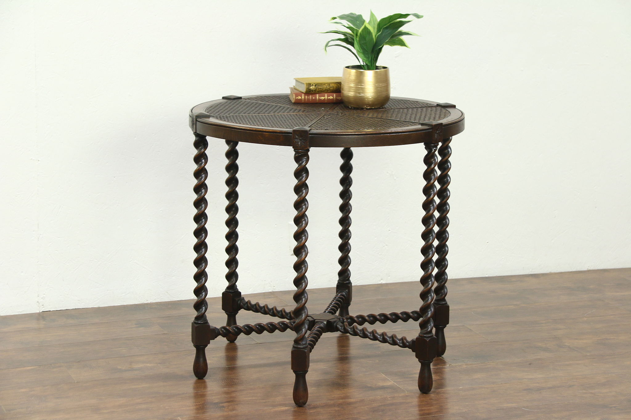 Picture of: Sold English Tudor 1910 Antique Round Lamp Or Hall Center Table Rope Twist Legs Harp Gallery Antiques Furniture