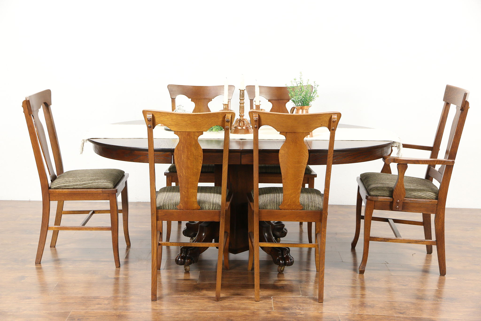 oak 1900 antique 42 round dining table 2 leaves carved lion paw feet - Round Dining Table For 2