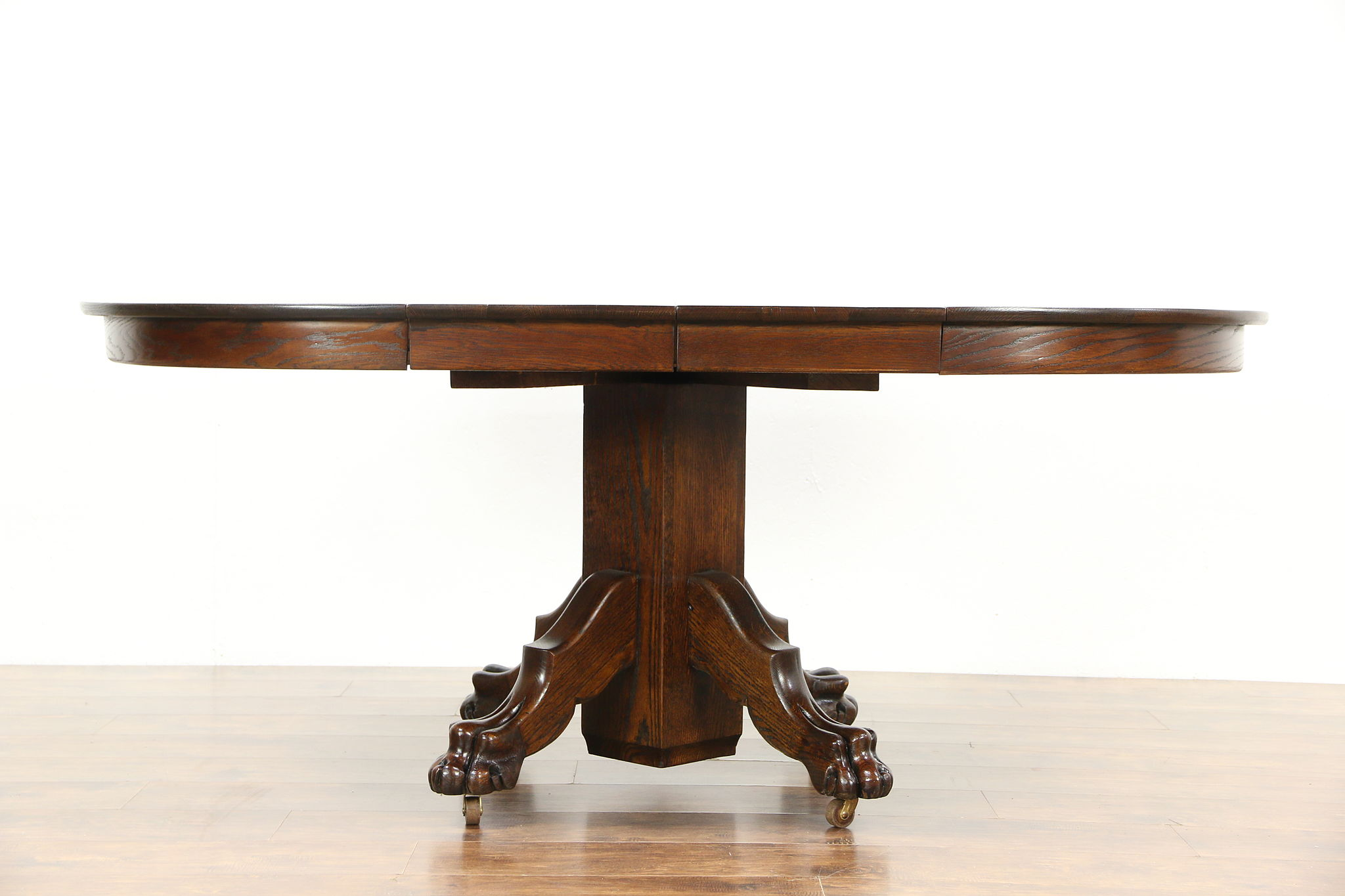 42 round table. Oak 1900 Antique 42\ 42 Round Table N