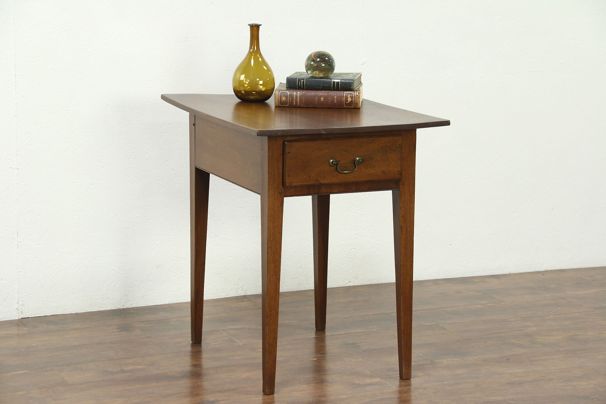 Walnut Hepplewhite 1770 Antique Lamp Or Side Table, Nightstand, ...