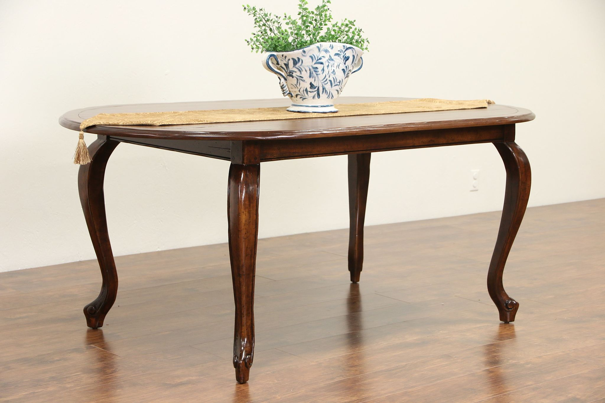 Perfect Country French Vintage Oval Dining Table ...