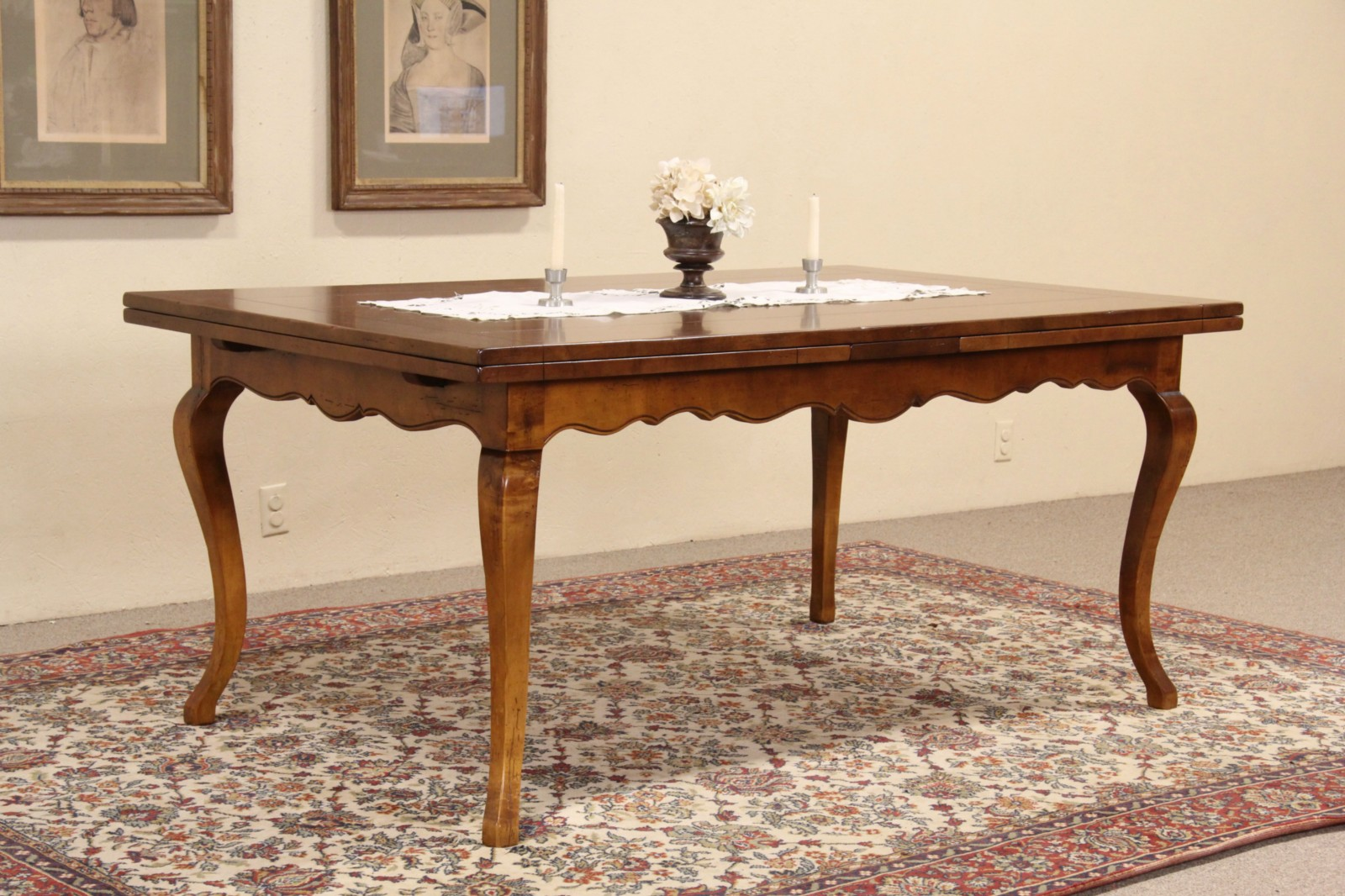 Milling Road By Baker Vintage Maple Dining Table 2 Pull Out Leaves