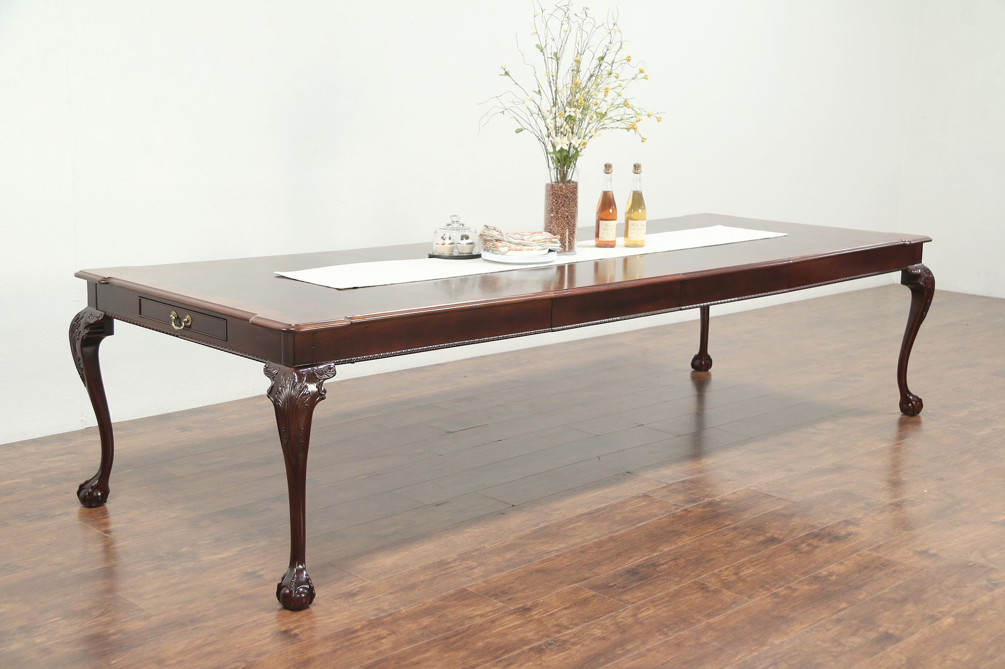Henredon Rittenhouse Square Vintage Dining Table Extends 10 4 29103 Harp Gallery