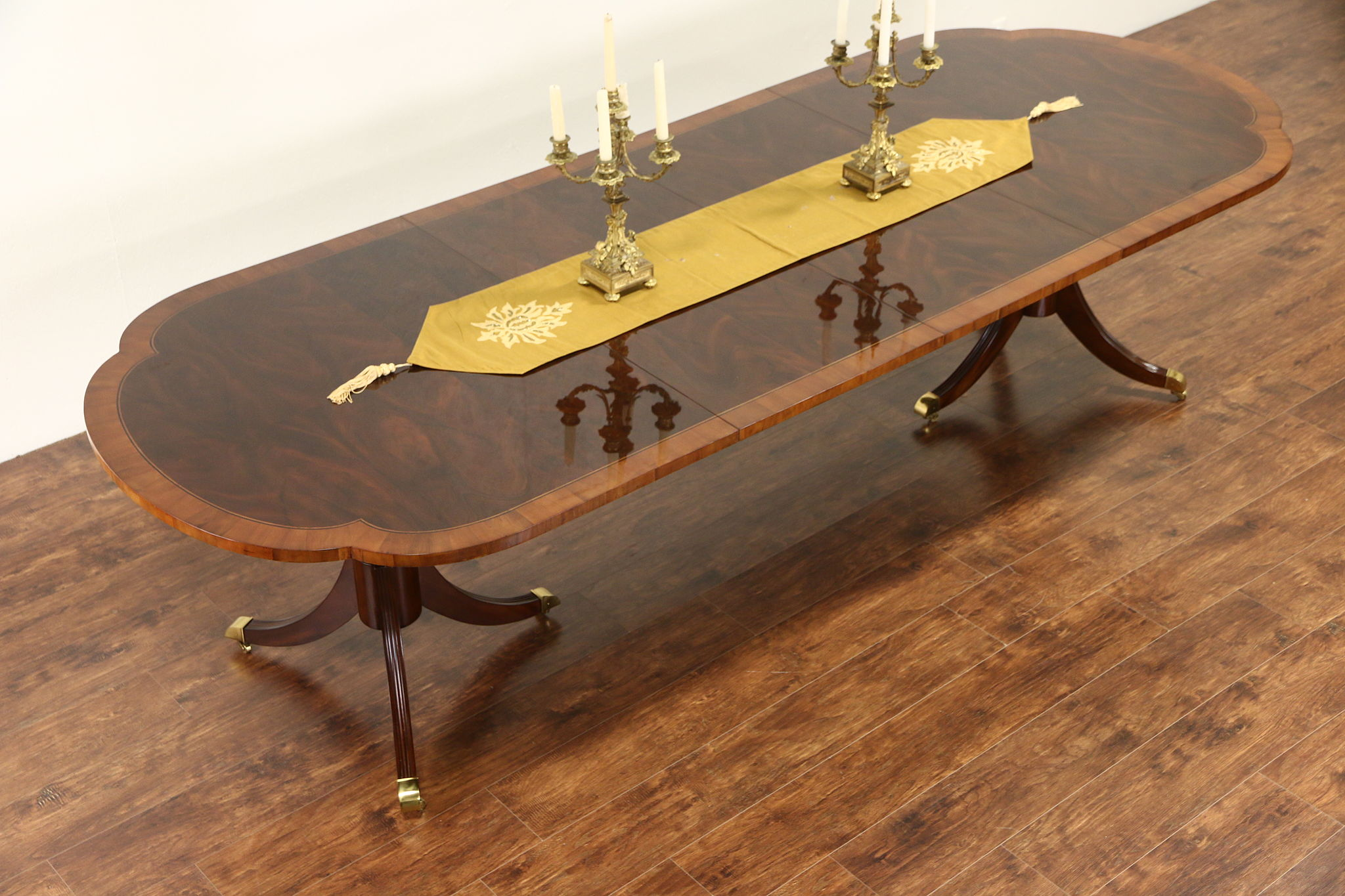 SOLD Hekman Signed Copley Square Dining Table Banded Mahogany