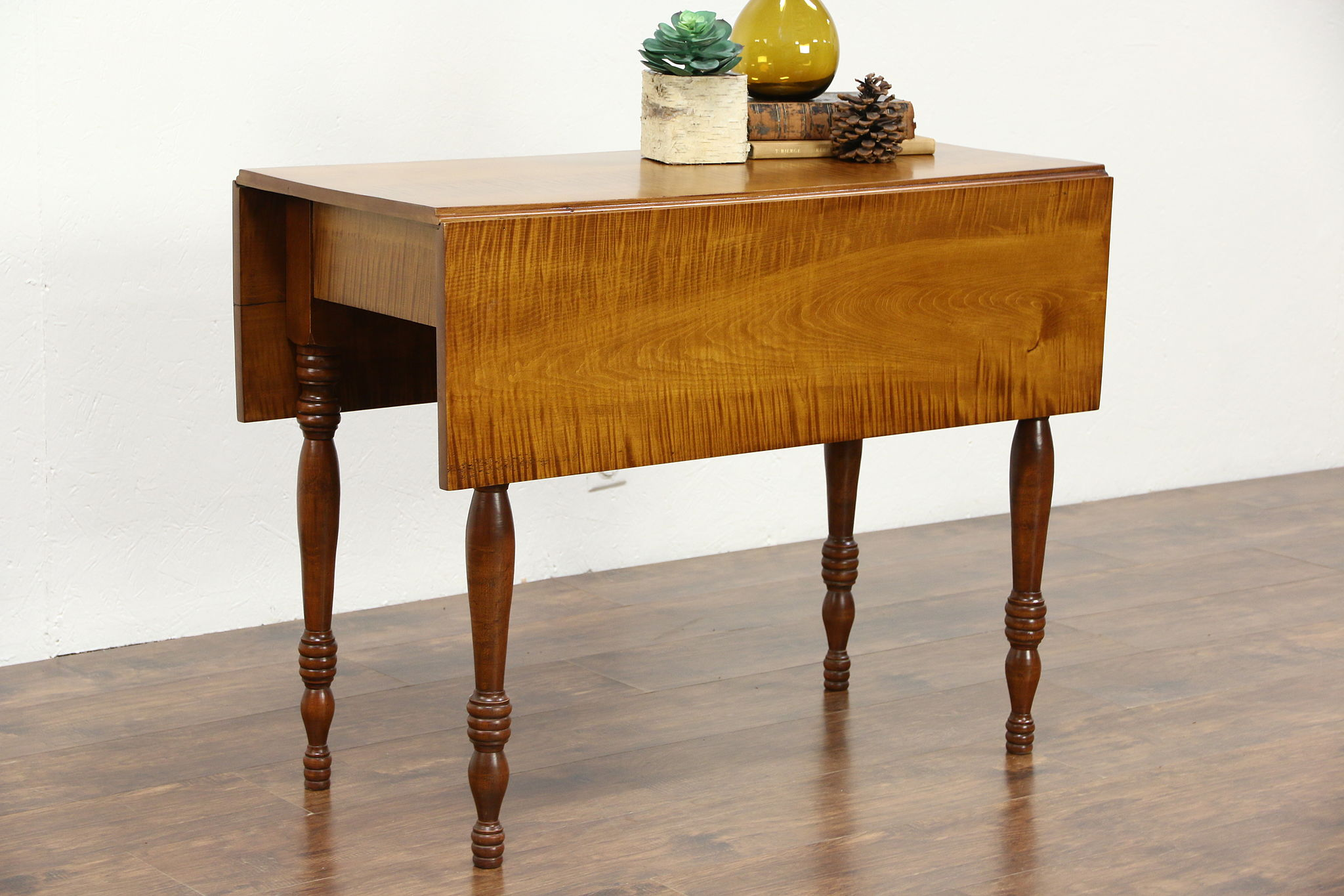 Antique sofa table - Tiger Or Curly Maple Antique 1840 Dropleaf Breakfast Or Sofa Table