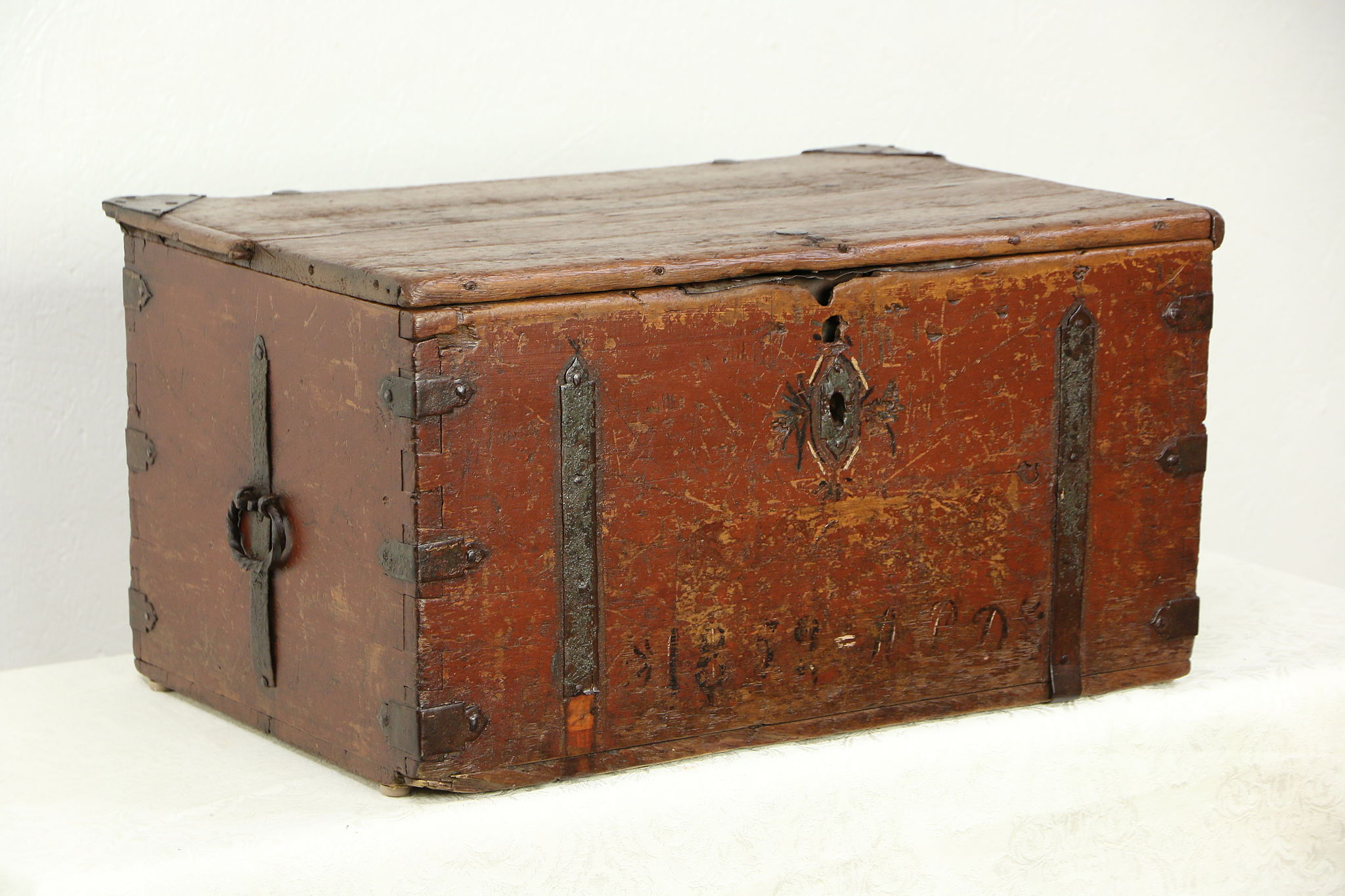 online store 6c81b 9fd73 Pine 1850's Antique Pine Trunk or Chest, Wrought Iron Mounts