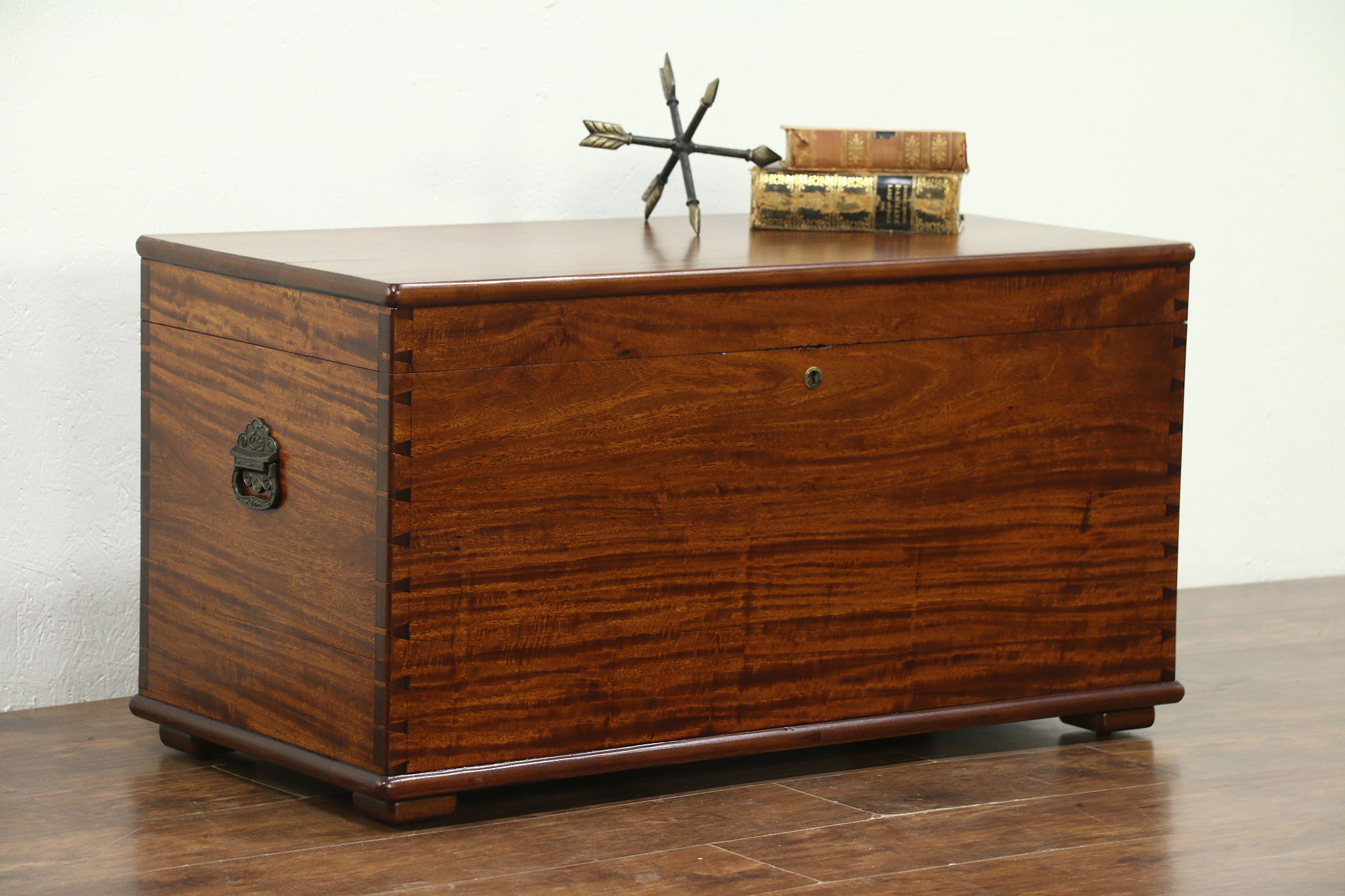 Sold Mahogany Antique Cedar Lined Blanket Chest Trunk