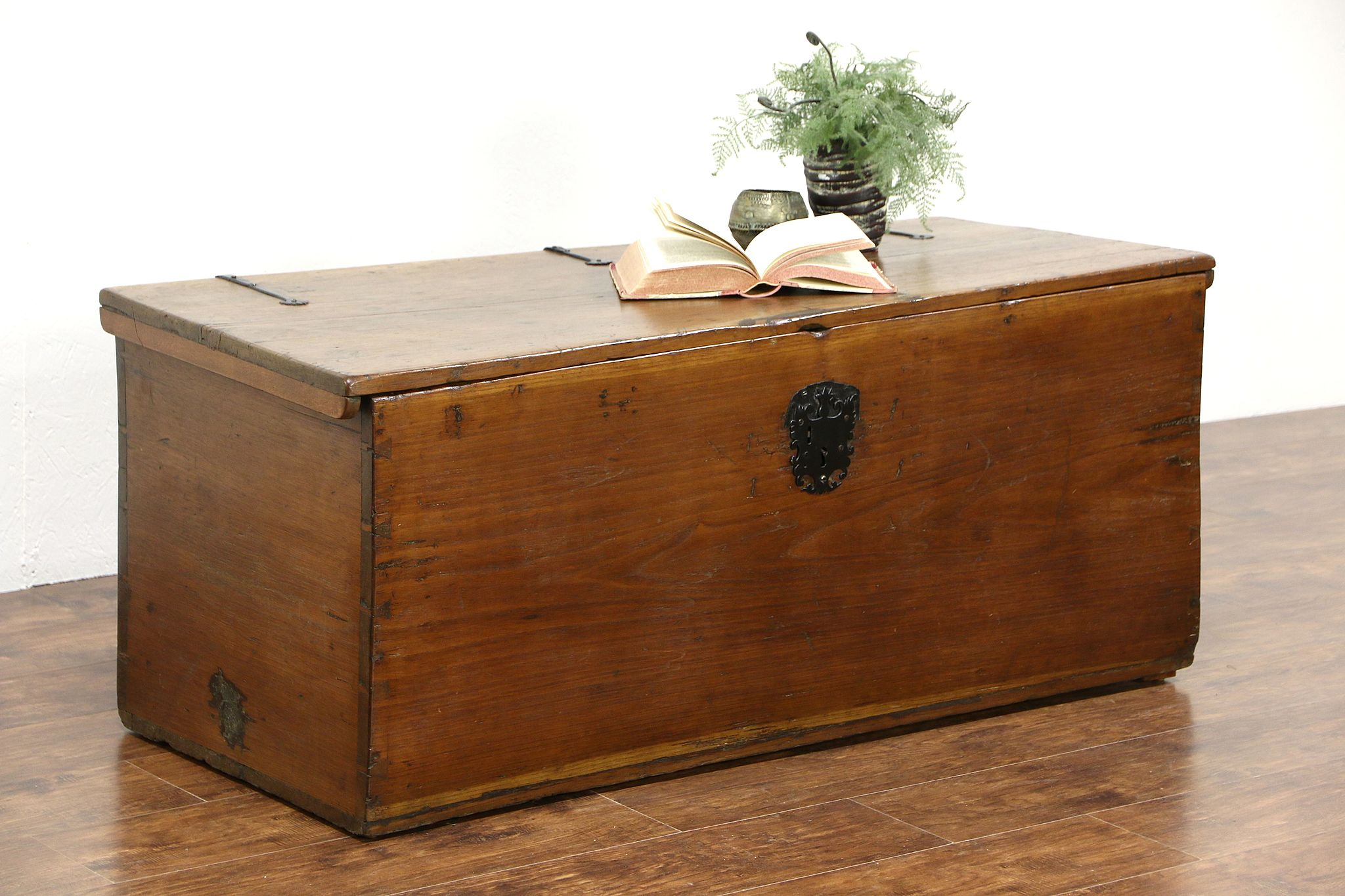 Walnut 1840 S Antique Chest Or Trunk
