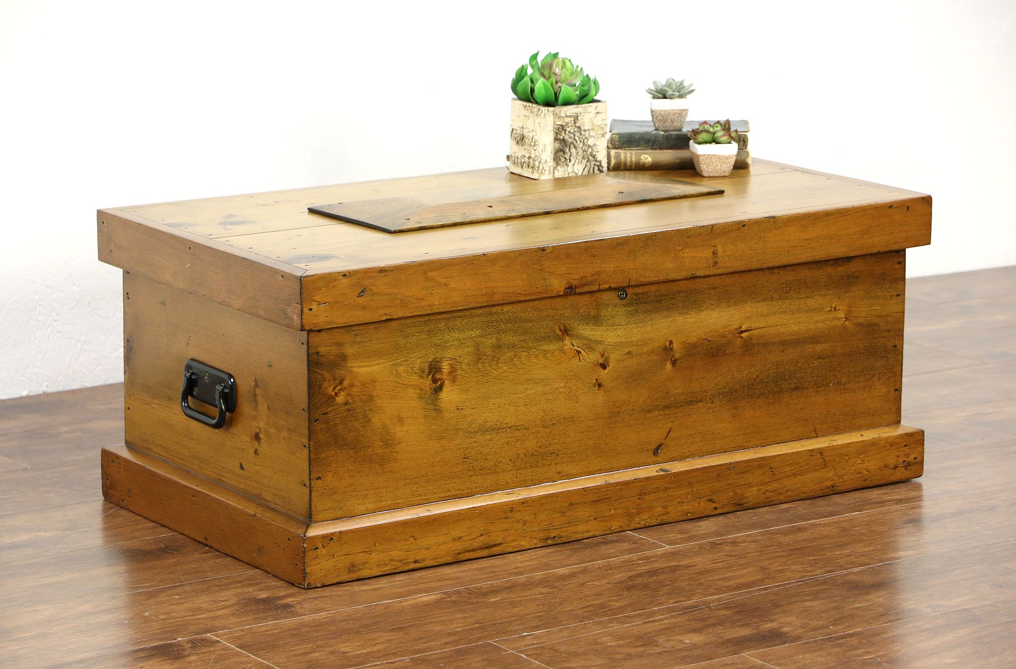 Sold Country Pine Antique 1900 39 S Carpenter Tool Chest Or Trunk Coffee Table Harp Gallery