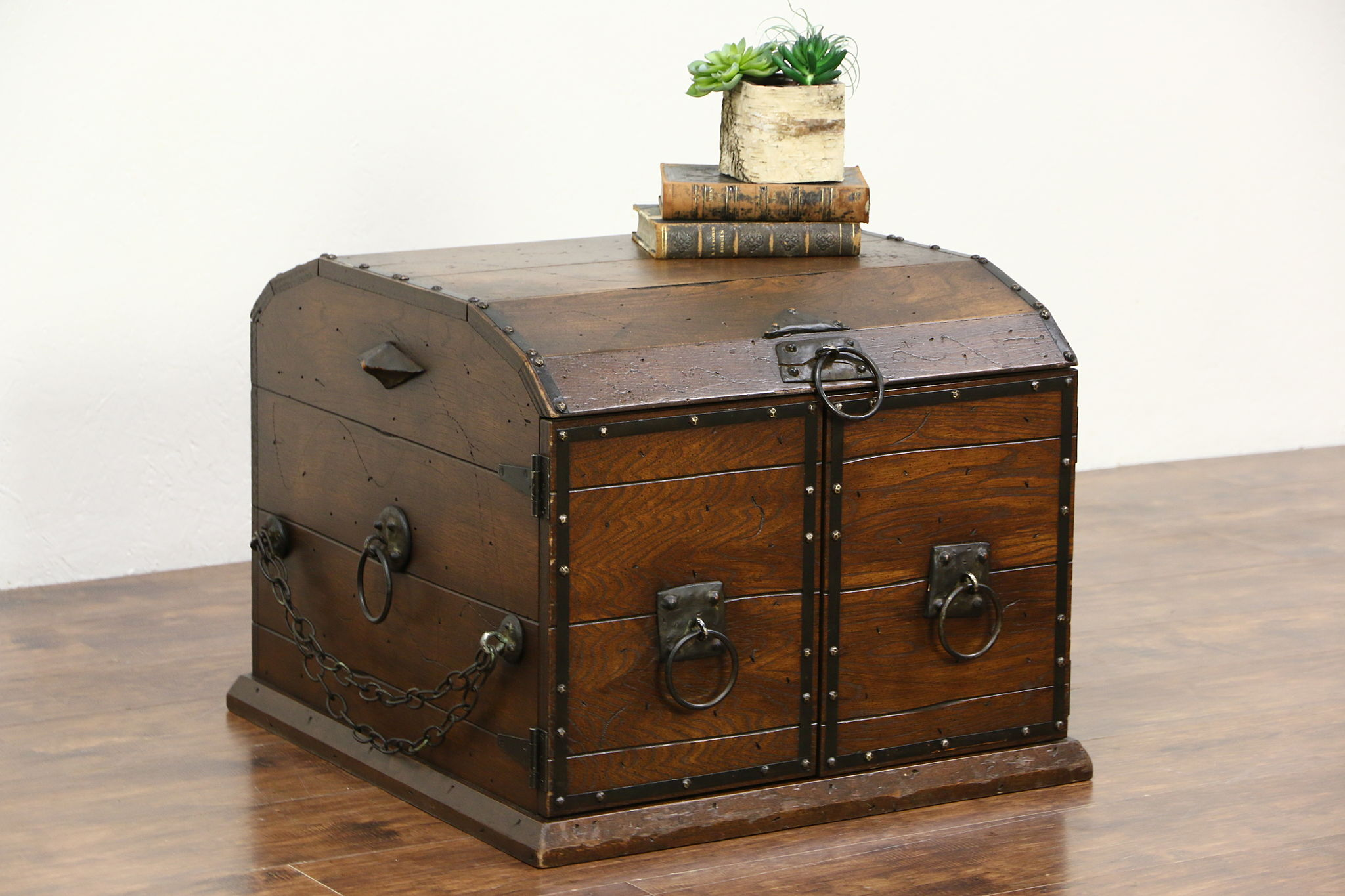 Medieval Pirate Chest Coffee Table, Vintage Oak Trunk