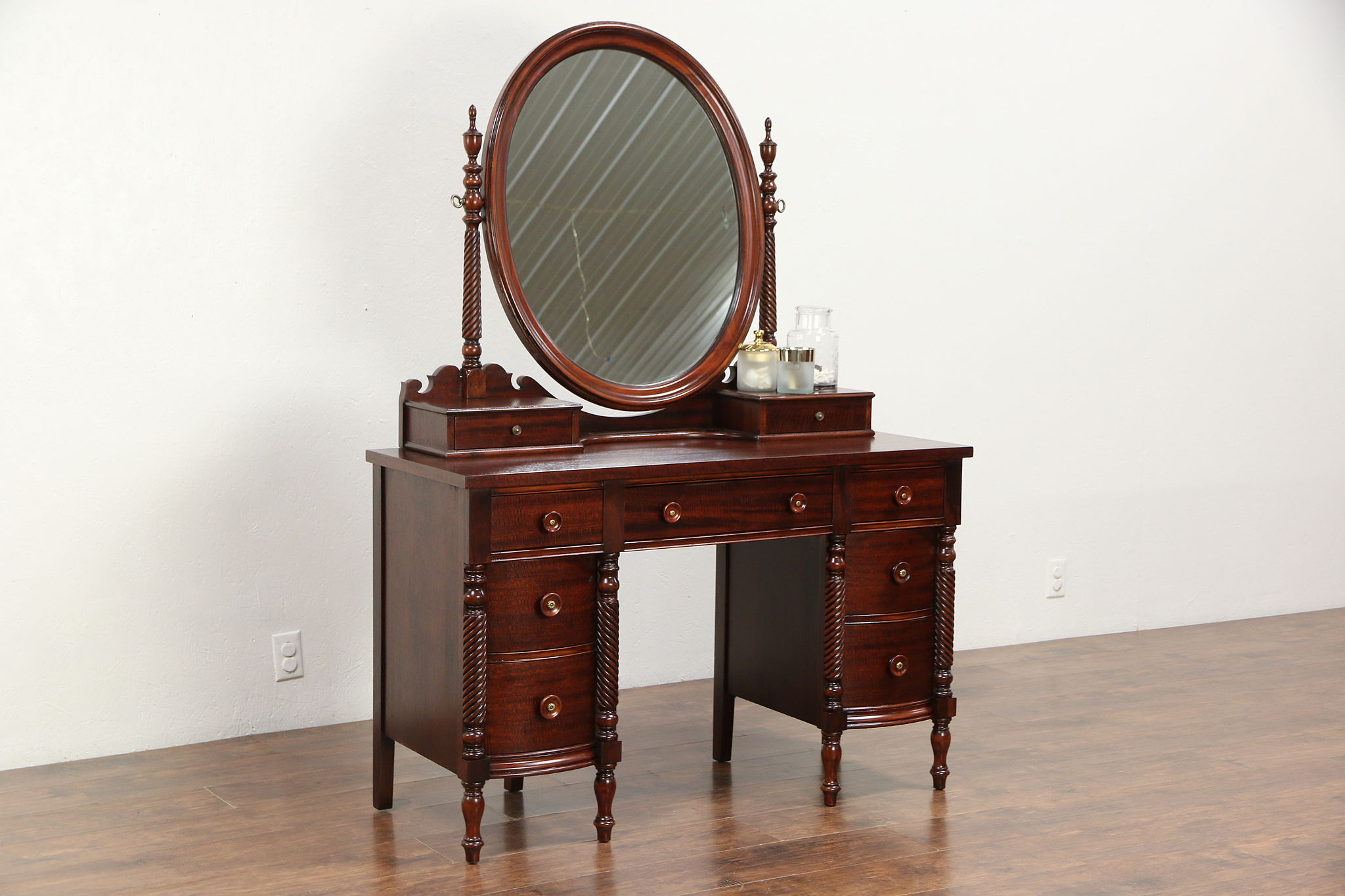 Traditional Vintage Mahogany Vanity Dressing Table Signed Drexel Federal House