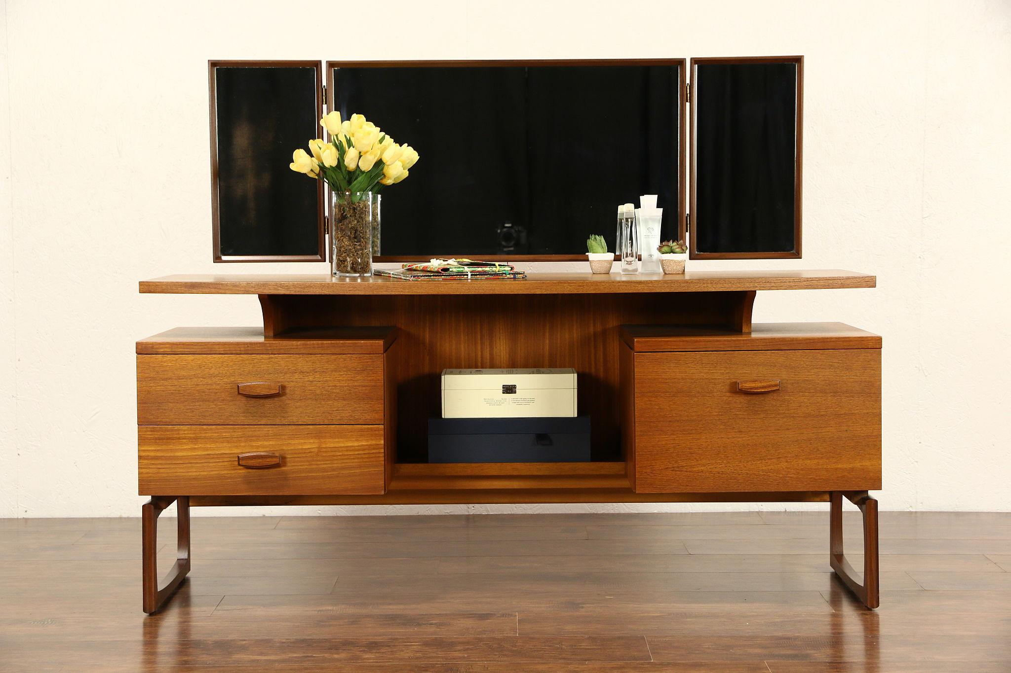 Sold Mid Century Modern 1960 S Vintage Teak Vanity Dressing Table