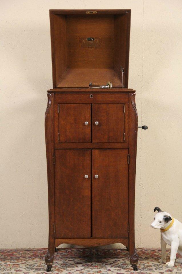 SOLD - Victor Victrola Oak Antique 1917 era Phonograph Record ...